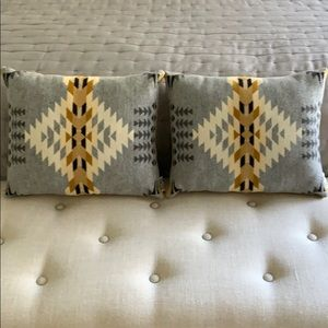Other - 🔥Flash Sale! Pair of Wool Accent Pillows
